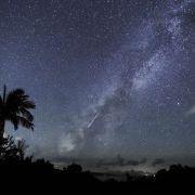 沖縄・石垣島 天の川に流れ星